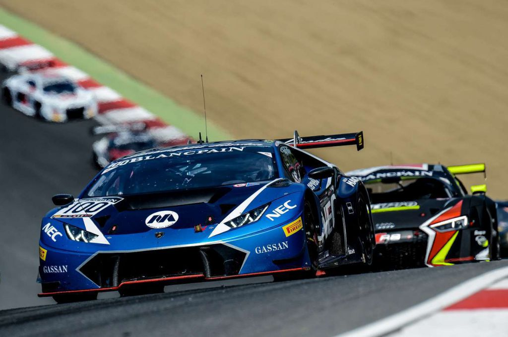 Lamborghini Leusden - De competitie is hevig in de Blancpain Sprint Series op Brands Hatch 150508