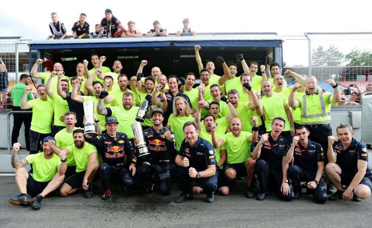 HOCKENHEIM, GERMANY - JULY 31: Daniel Ricciardo of Australia and Red Bull Racing, Max Verstappen of Netherlands and Red Bull Racing and the Red Bull Racing team celebrate after the Formula One Grand Prix of Germany at Hockenheimring on July 31, 2016 in Hockenheim, Germany.  (Photo by Mark Thompson/Getty Images)