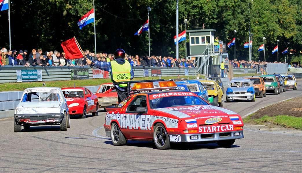 Groots spektakel, unieke mogelijkheid, autocrossers op het ovale asfalt!!!