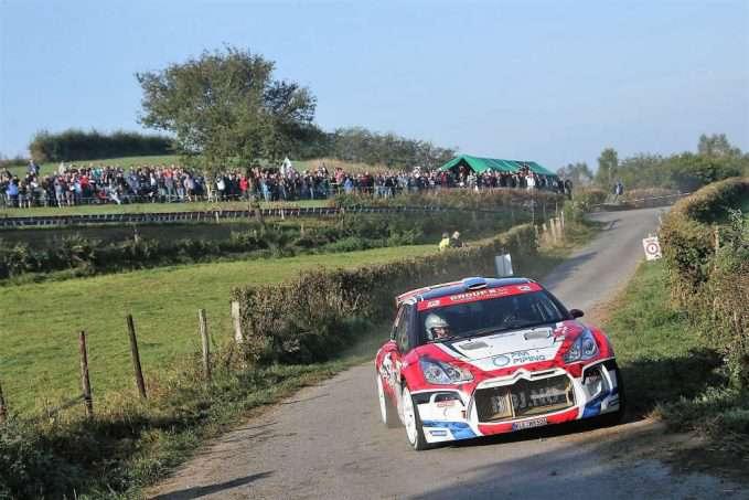 bob-de-jong-bob-de-jong-bjorn-degandt-in-actie-met-hun-ds3-voor-een-talrijk-publiek-in-de-east-belgian-rally-160924