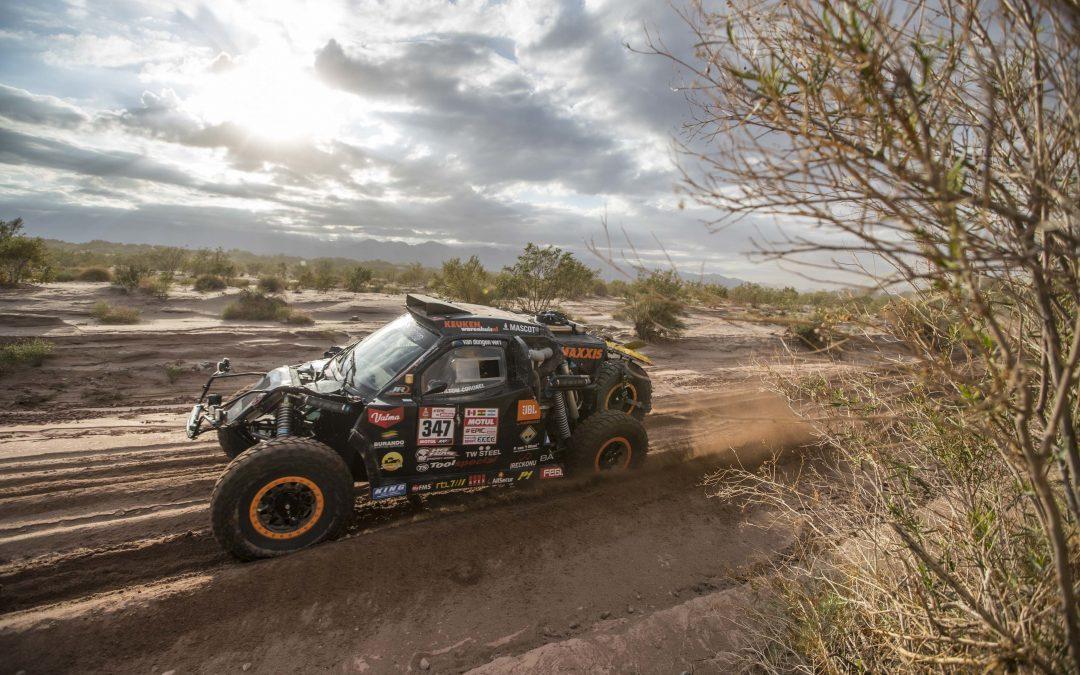 Échte Dakar-dag voor Tim en Tom Coronel (video)