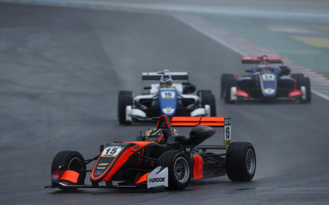 A weekend of learning for the Van Amersfoort Racing drivers