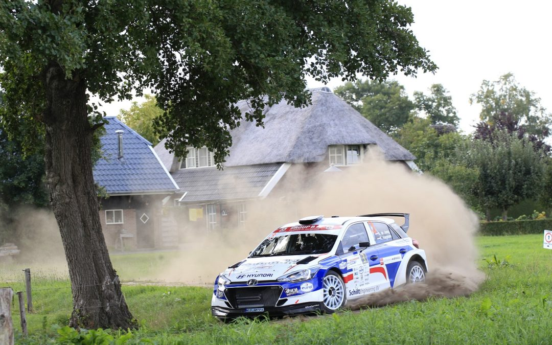 Bob de Jong knalt naar tweede plaats in Eurol Hellendoorn Rally.