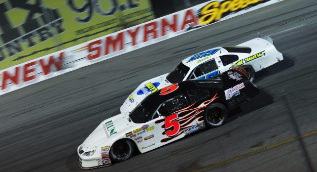 Hezemans maakt indruk in het Amerikaanse debuut van de NASCAR