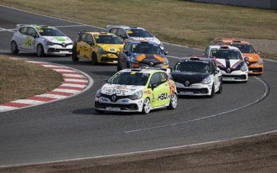 Sebastiaan Bleekemolen domineert Clio Cup Oschersleben