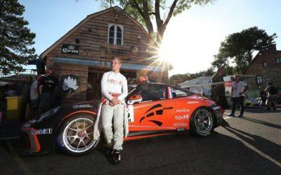 Larry ten Voorde staat zijn mannetje in Porsche Mobil 1 SuperCup