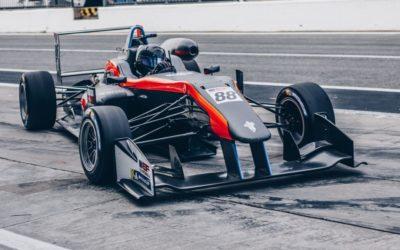 """Autocoureur Glenn van Berlo debuteert in Formule 3: """"Deze auto is echt indrukwekkend"""""""
