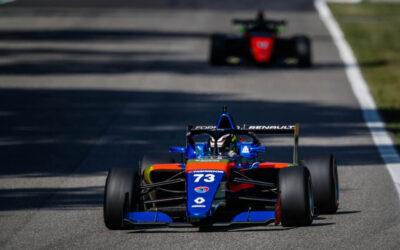 Tijmen van der Helm mist podium op haar na bij debuut in Formule Renault Eurocup