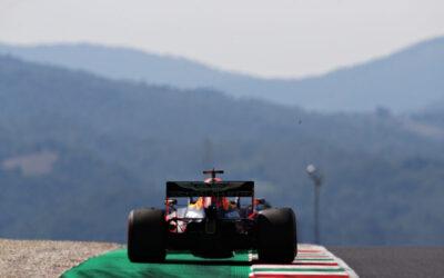 """Max Verstappen vroeg klaar in Toscaanse GP na crash: """"Problemen met de motor"""""""
