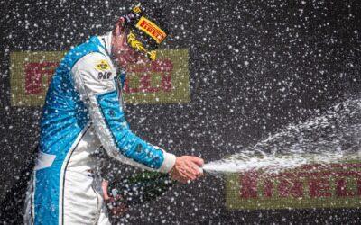 Richard Verschoor schittert op Silverstone met eerste zege in FIA Formule 2