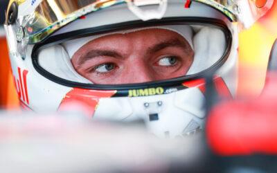 Max Verstappen valt na zware crash uit in Britse Grand Prix